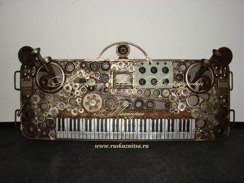 Музыкальные инструменты - ЛС - Клавишный синтезатор 0-01